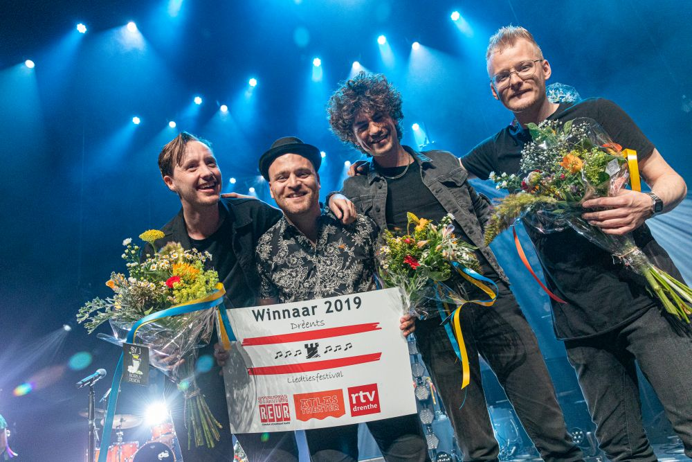 Leon Moorman wint Drèents Liedtiesfestival 2019 - Bart de Nes